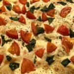 Focaccia mit Tomaten